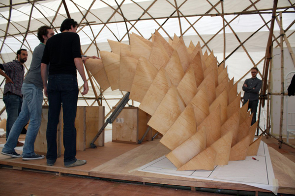 Dragon Skin Pavilion, Hong Kong &Shenzhen Bi-City Biennale of Urbanism/Architecture, Finnish design, Tampere University of Technology, digital fabrication, cnc machines, algorithmic design, plywood sculpture