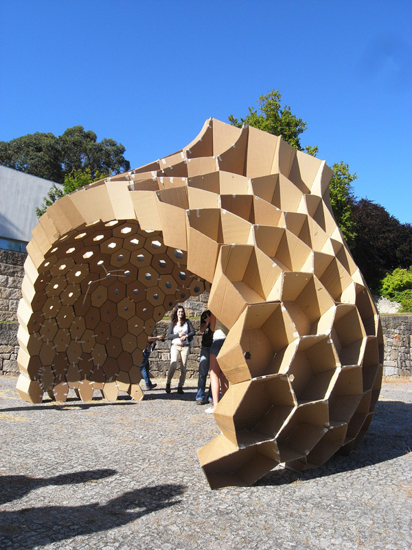 Constructive Geometry Pavilion FAUP, honeycomb structure, cardboard pavilion, student work, digital fabrication