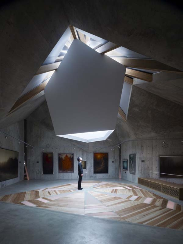 natural lighting concrete architecture japan exhibition space
