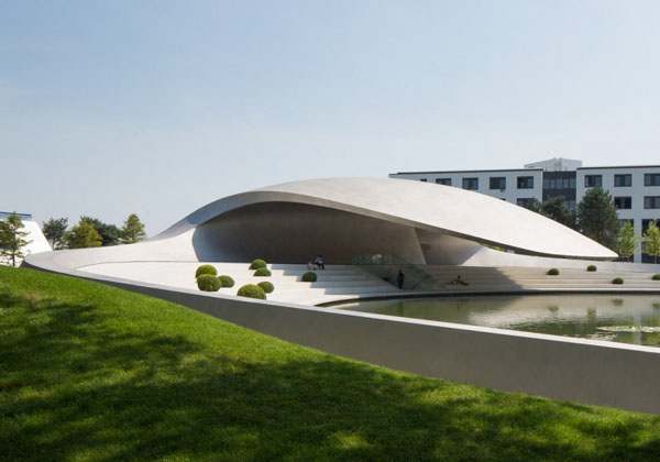Porsche Pavilion HENN Architects, exhibition space, Germany, steel cladding