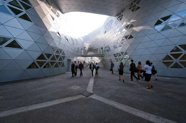 Georges-Freche School of Hotel Management in Montpellier Massimiliano and Doriana Fuksas, educational architecture, metal skin, contemporary french architecture, school design, montpellier
