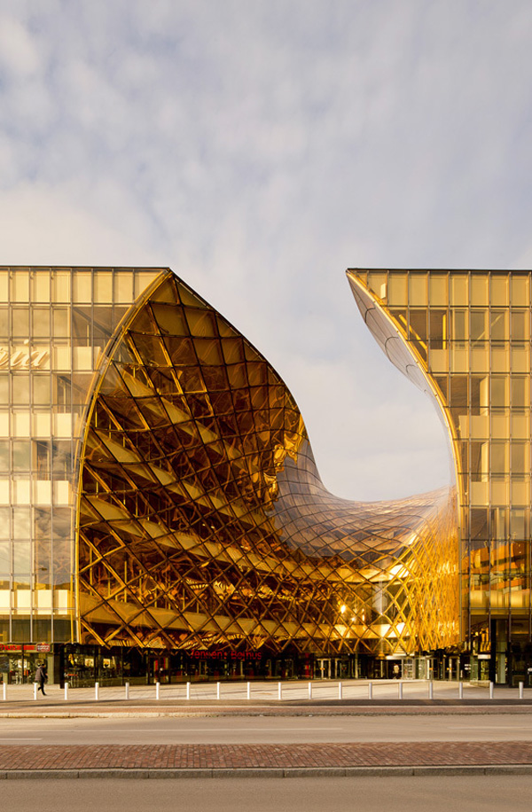 Wingardhs, Malmo, Sweden, Emporia, Hyliie, shopping mall, Emporia, architectural statement, landmark design, iconic design, Amber Entrance