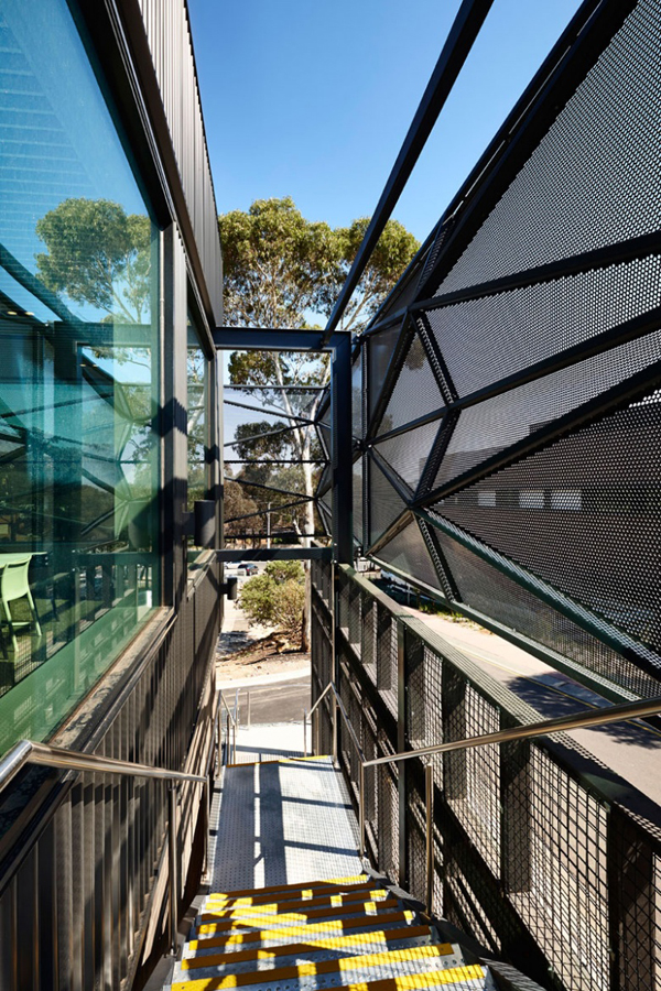 Billard Leece Partnership, Australia, bendigo, La Trobe University Wodonga, student campus, faceted, aluminum mesh, communal space