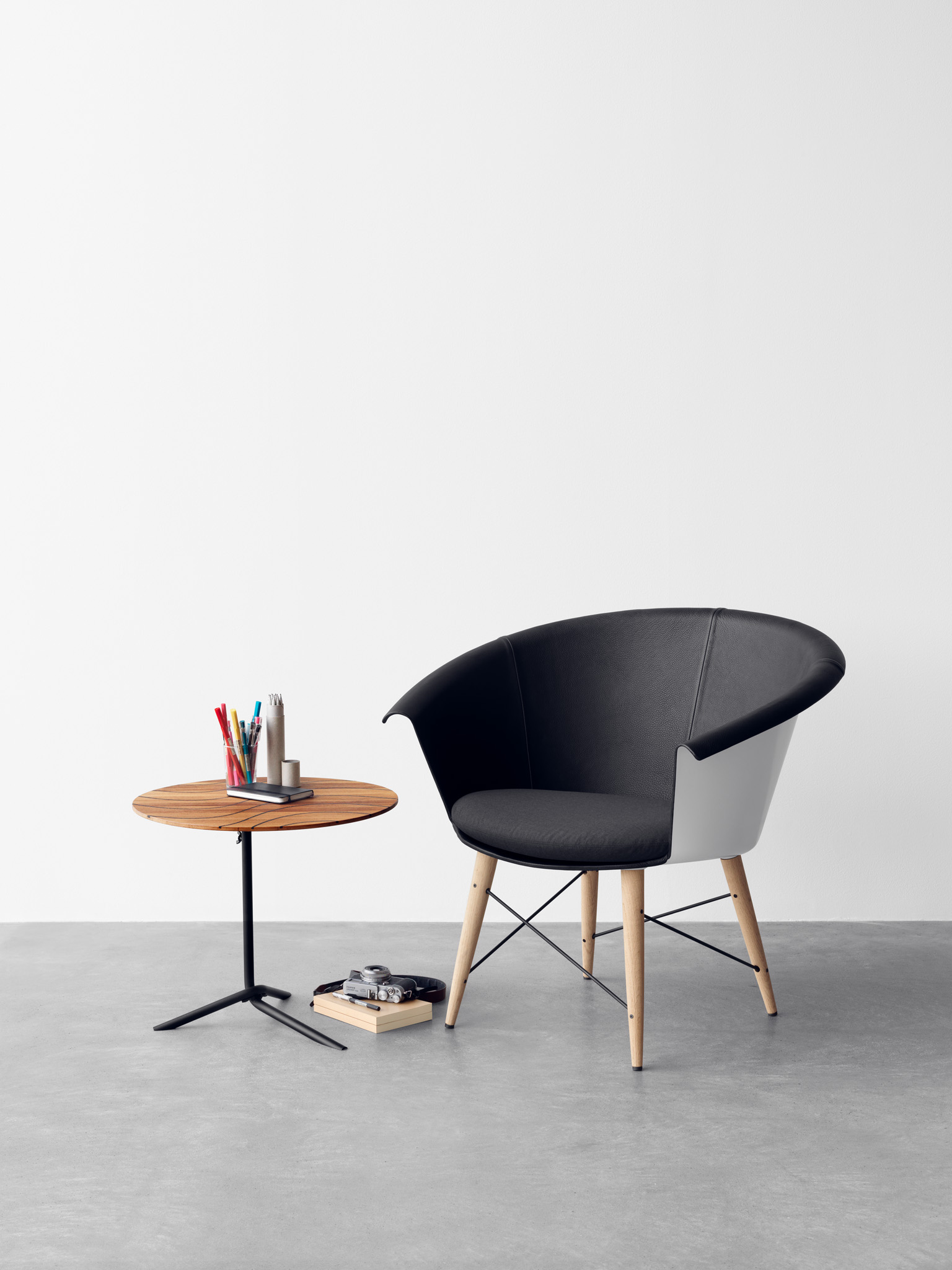 Jangir Maddadi Unveils Captain Chair And Grace Table - eVolo