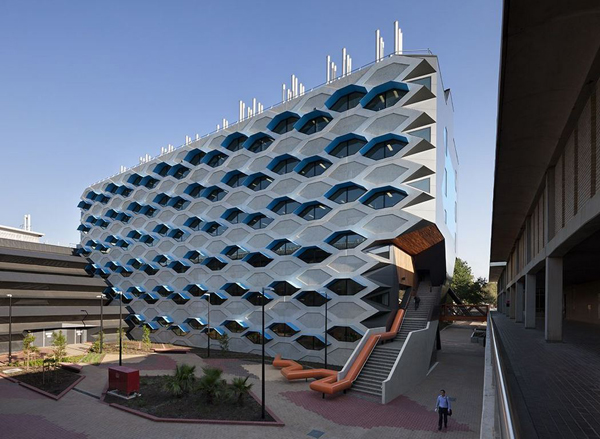 Lyons, Australia, university, La Trobe Institute for Molecular Science ...