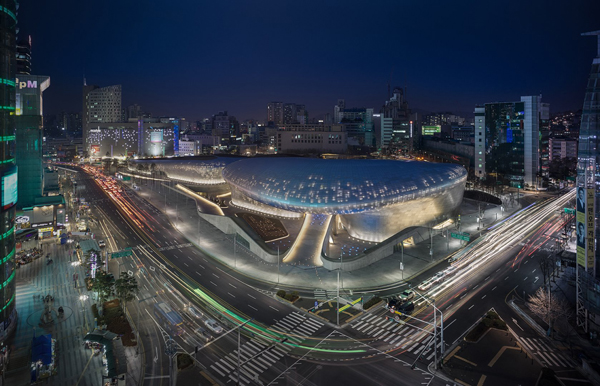 Zaha Hadid, Zaha Hadid Architects, Dongdeamun Design Plaza, Seoul, Korea, plaza, cultural facility, public facility, culture, technology, innovation